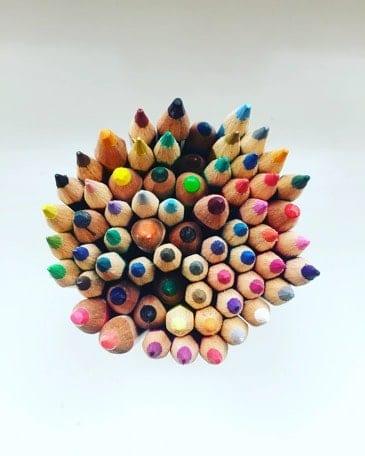 Wees creatief: schilder, dans, beeldhouw, teken of maak muziek.